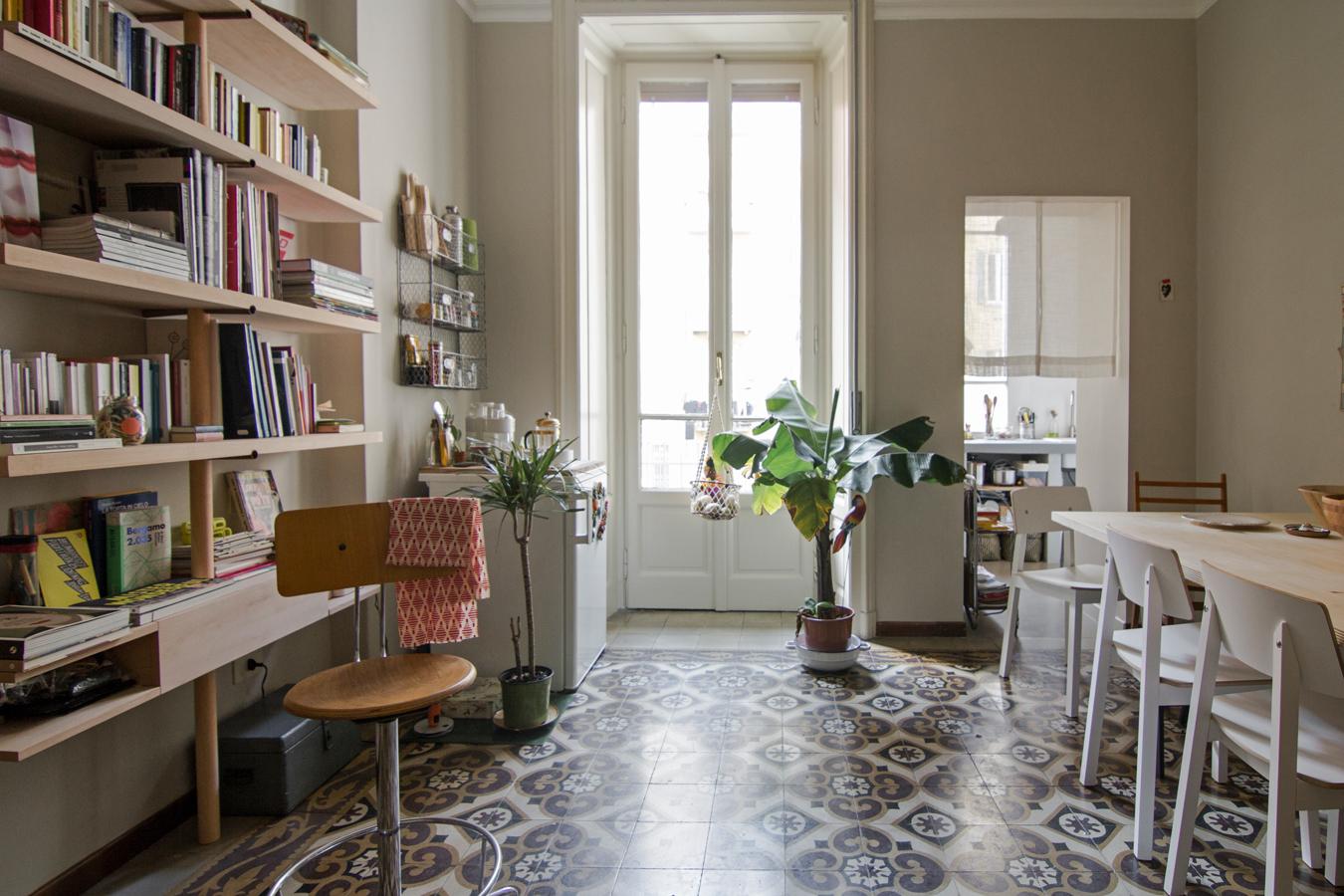 Casa in stile vecchia milano living corriere for Arredamento casa milano