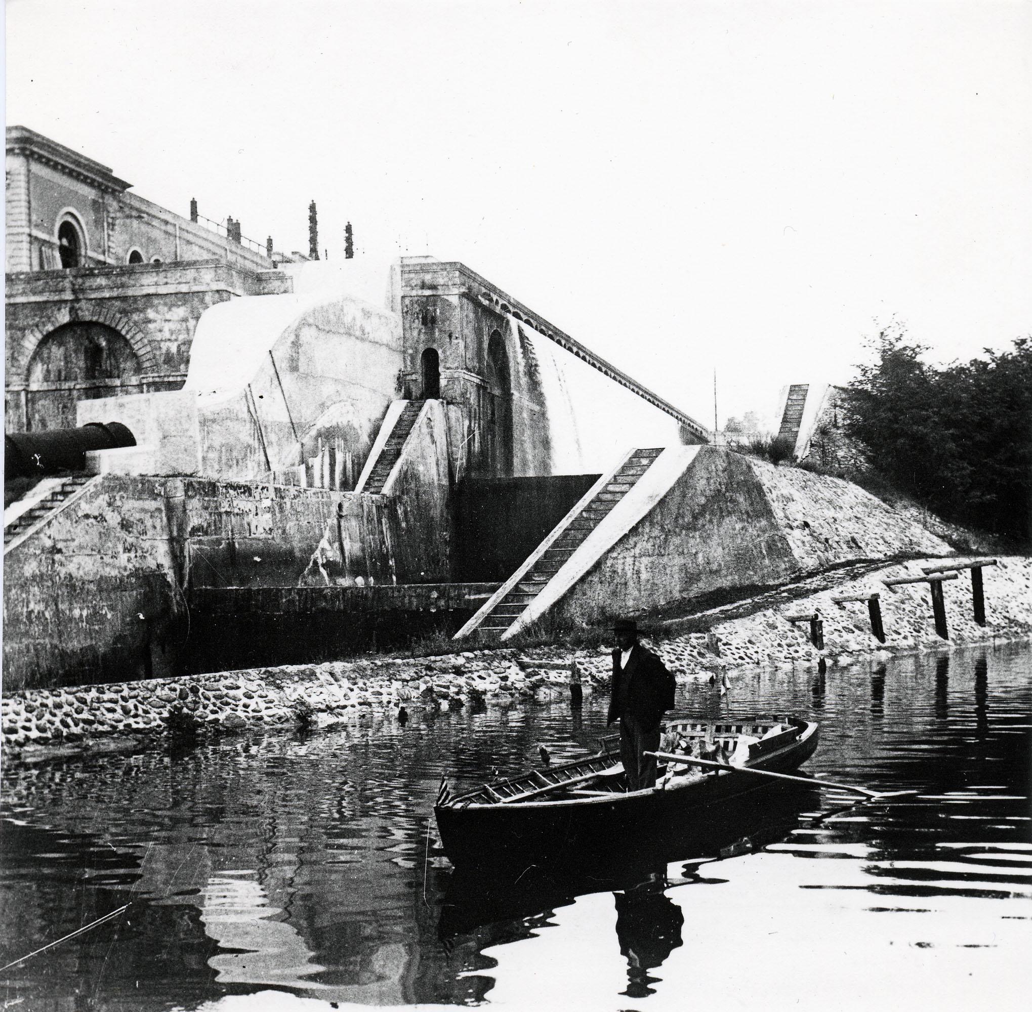 07 - Il Naviglio entra a Pavia © Archivio fotografico Arnaldo Chierichetti