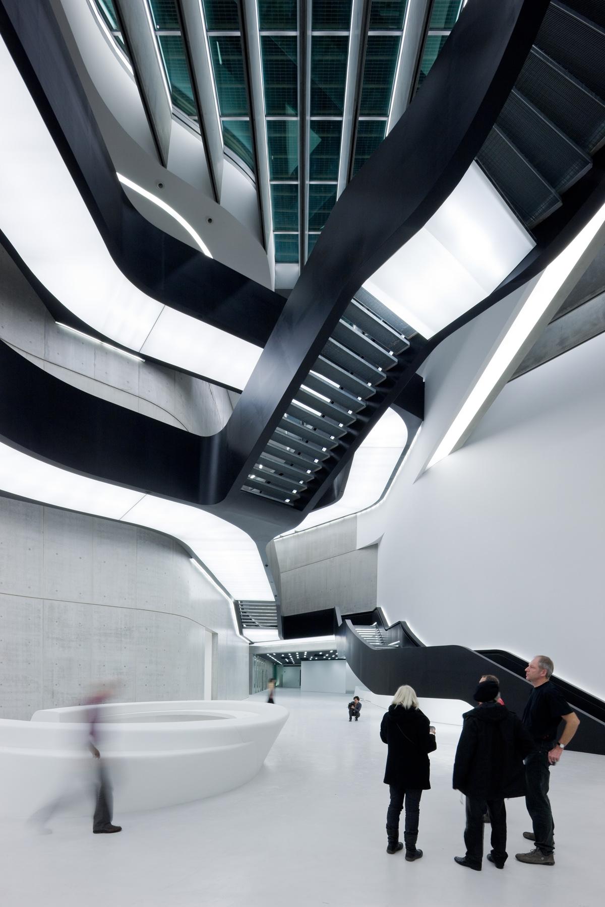 01. MAXXI Museum of XXI Century Art, Rome_photo Iwan Baan-zaha