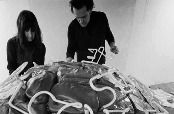 Marisa e Mario Merz presso la Galleria L'Attico, 1969_Foto di Claudio Abate