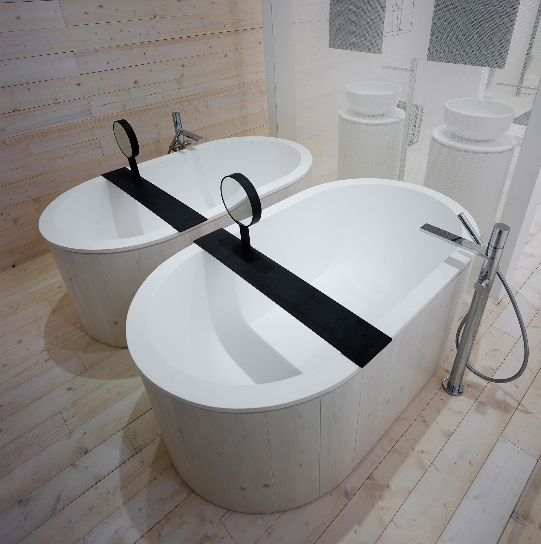 15 vasche da bagno piccole foto living corriere - Dimensioni vasche da bagno piccole ...