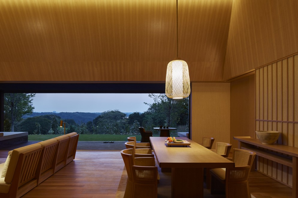 RS2923_Amanemu - Villa dining area