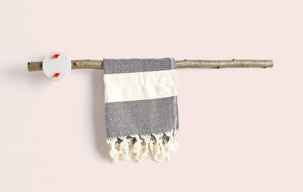 sovrappensiero_ furNATURE _ towel rack 1
