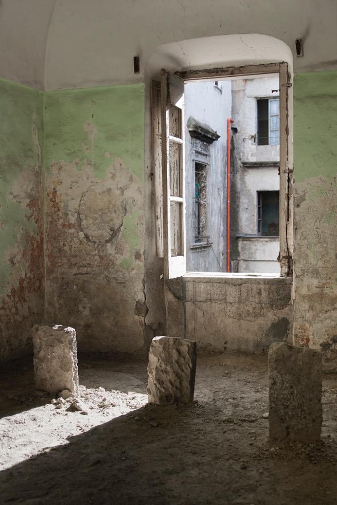 9_Gian Maria Tosatti, Sette Stagioni dello Spirito, 5_I fondamenti della luca, Napoli, 2015 C G.M (1)