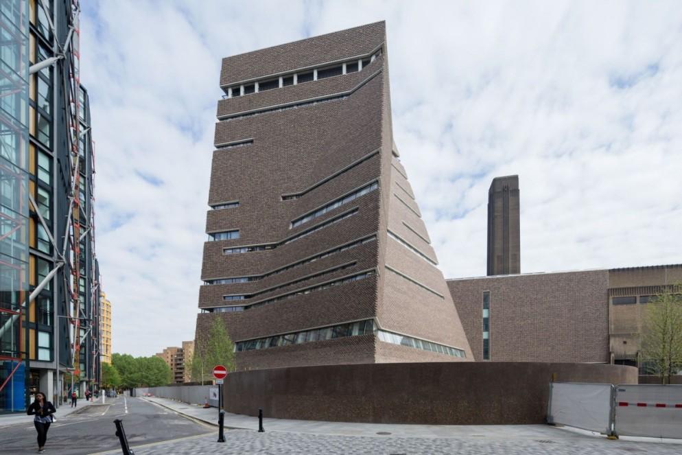 Herzog-de-Meuron-.-Tate-Modern-Switch-House-.-London-1-1200x800