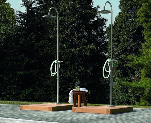 Esterni 15 docce per il giardino foto 1 livingcorriere - Docce da giardino in muratura ...