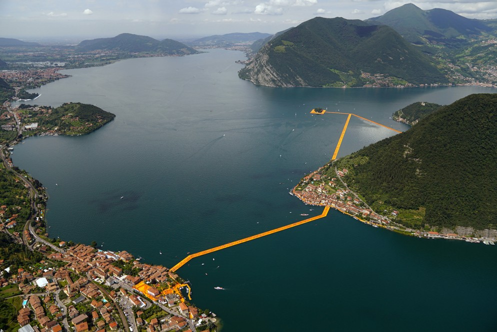 floating-piers-christo-15