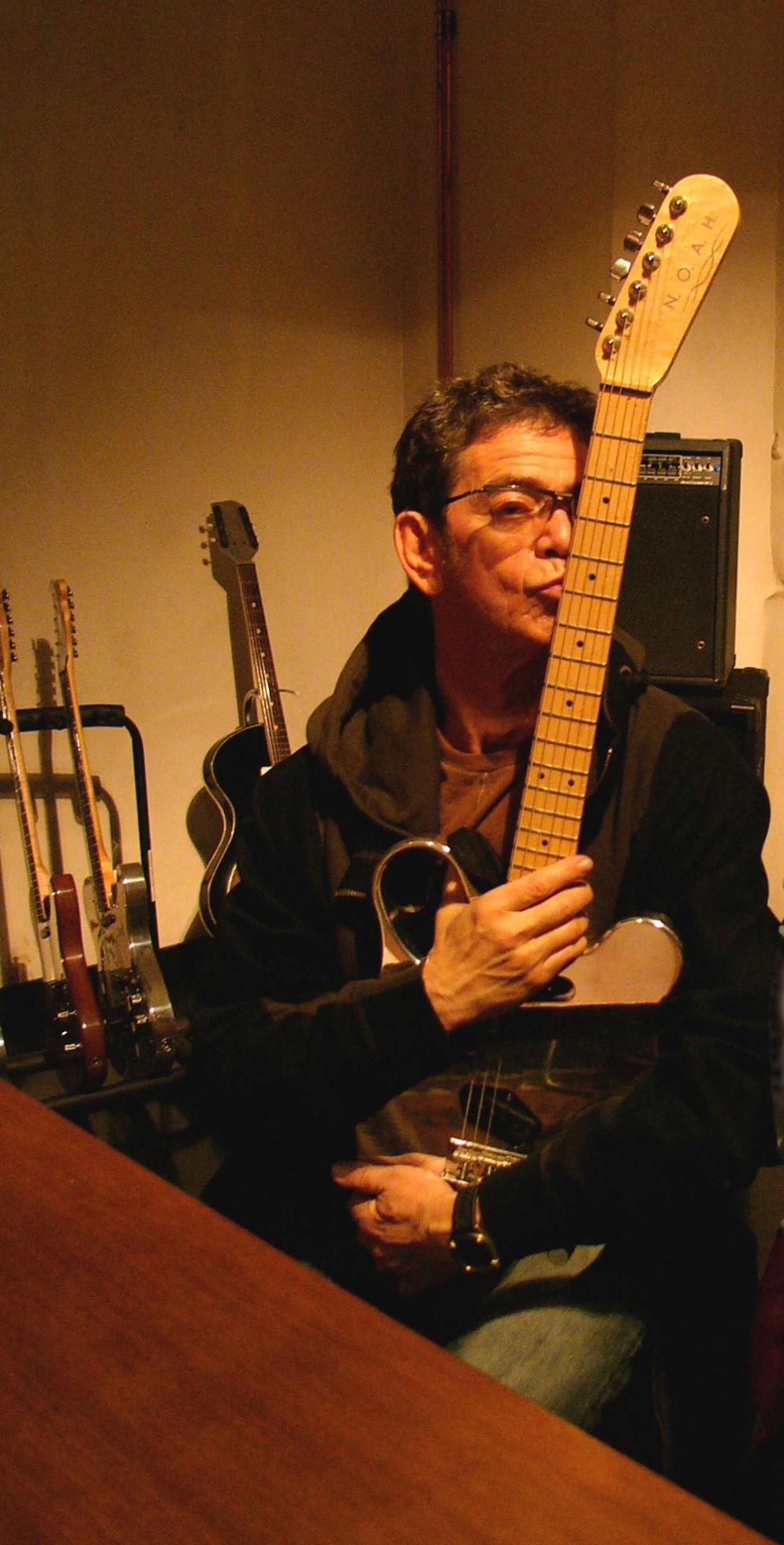 GUIDO-HARARI_Kiss-Lou-Reed-noahguitars_2007