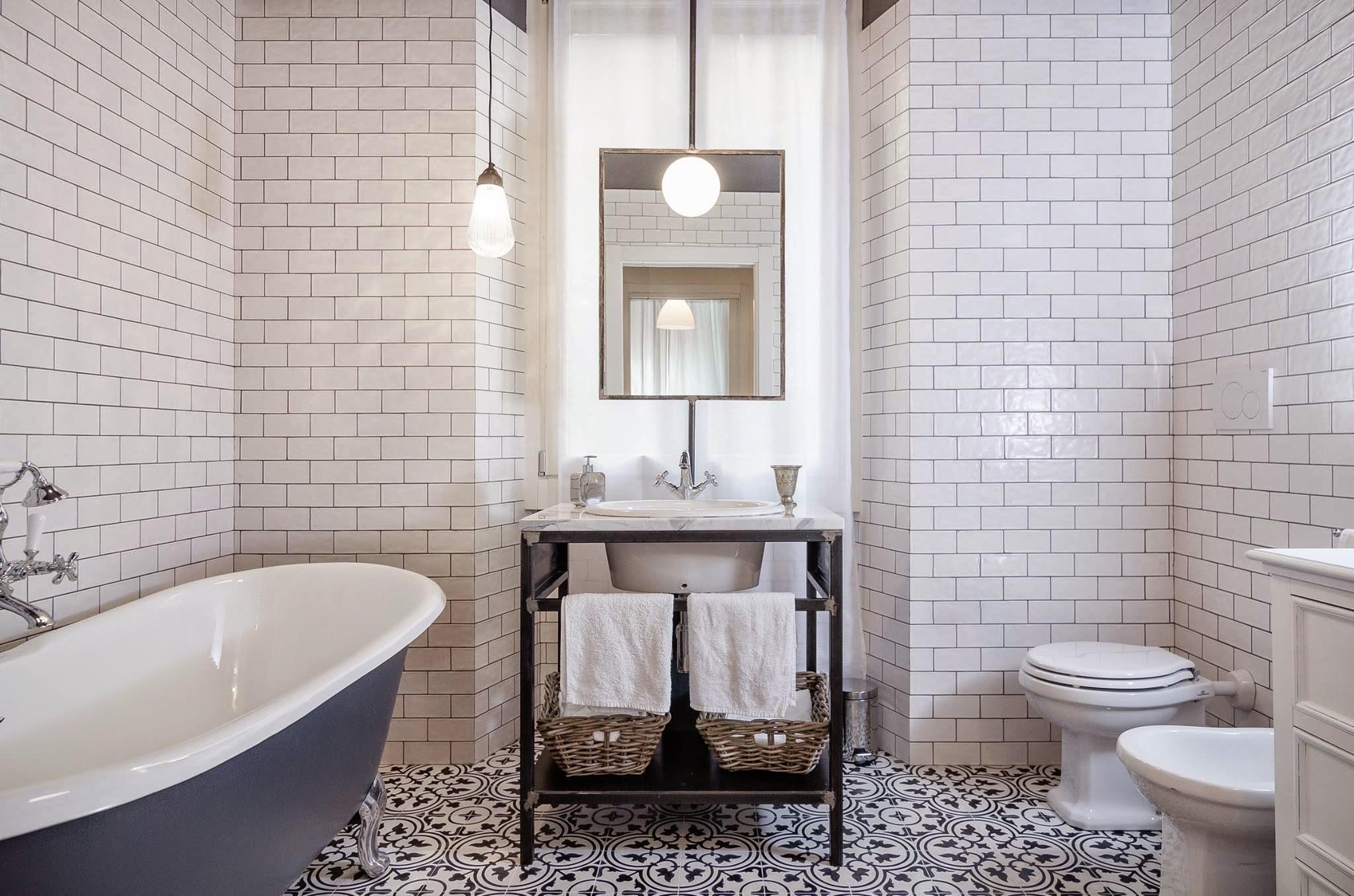 15 ispirazioni per un bagno vintage livingcorriere - Piastrelle cucina vintage ...