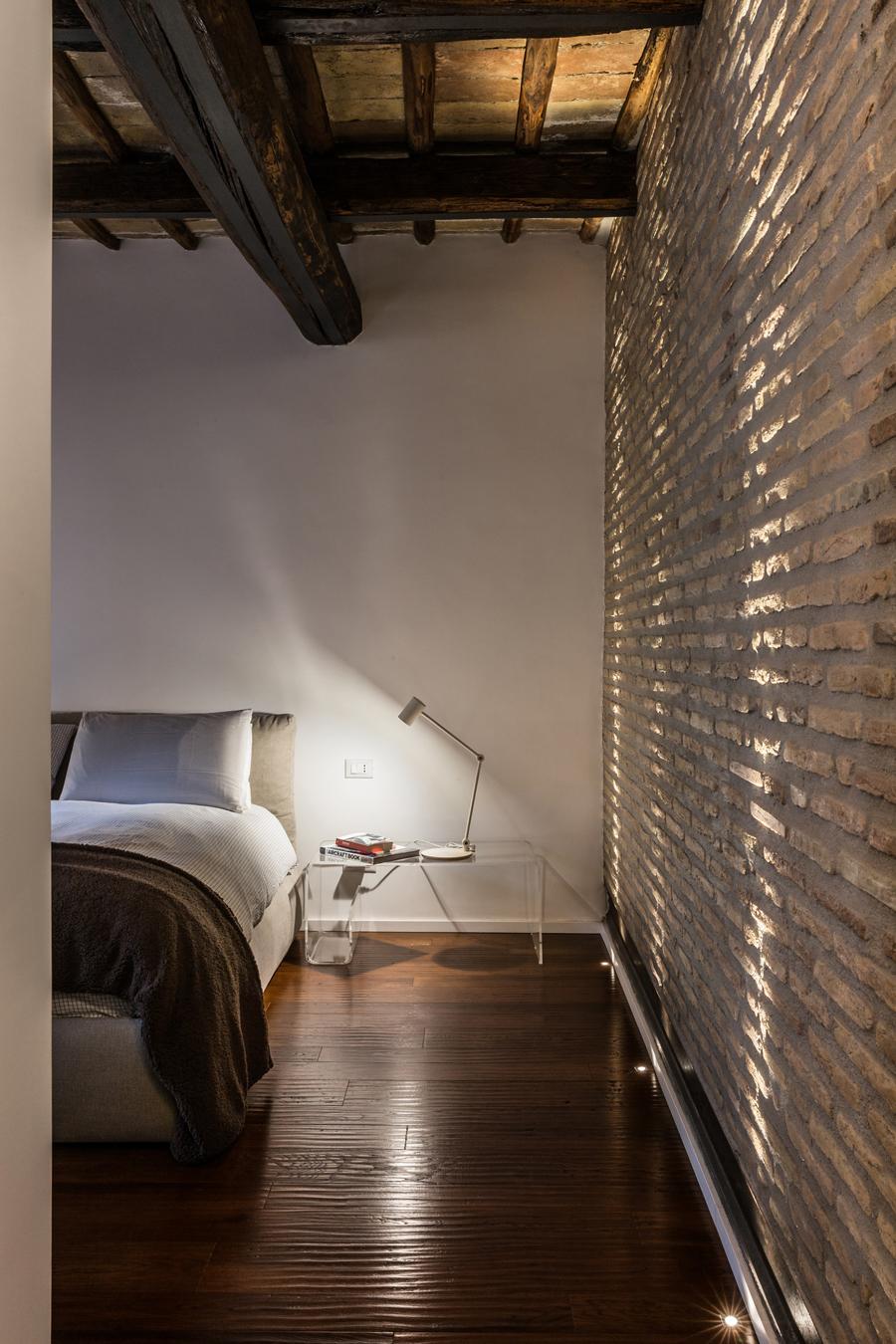 Foto di una casa in stile industriale a roma living corriere for Archi arredo roma