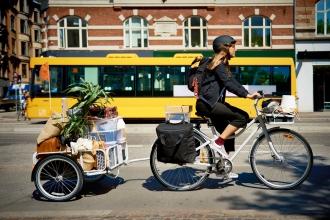 Hier kommt SLADDA – ein Fahrrad, das fuer sein Design den Red Dot Award erhielt. IKEA FAMILY Mitglieder erhalten das SLADDA zu einem unschlagbaren Preis (26 Zoll Version ab CHF 479.-). Es wird ab September verfuegbar sein. (PPR/IKEA)