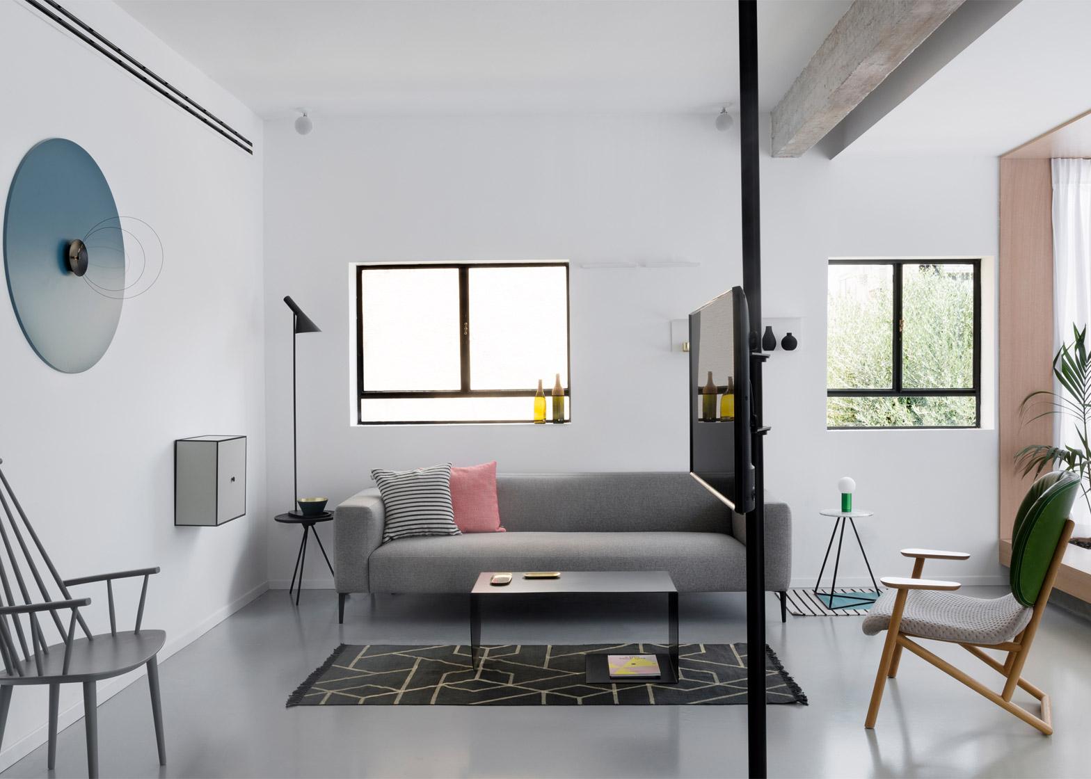 Arredare 95 mq una casa in bianco e nero for Arredare casa in bianco