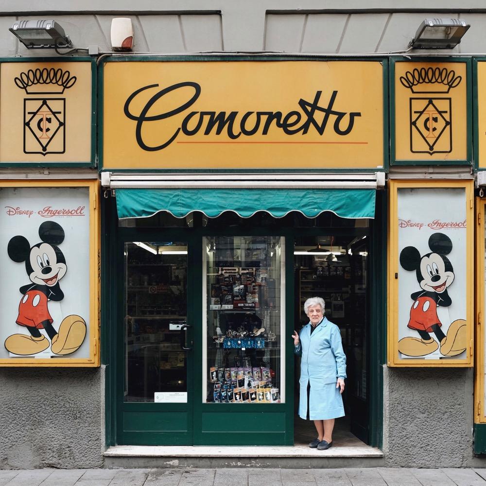 Popolare Tour fotografico tra le vetrine di Milano - Living Corriere RO33