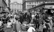01/06/1946mercato frutta via sant' alfonso maria dei liguoriFoto Riccardo Carbone