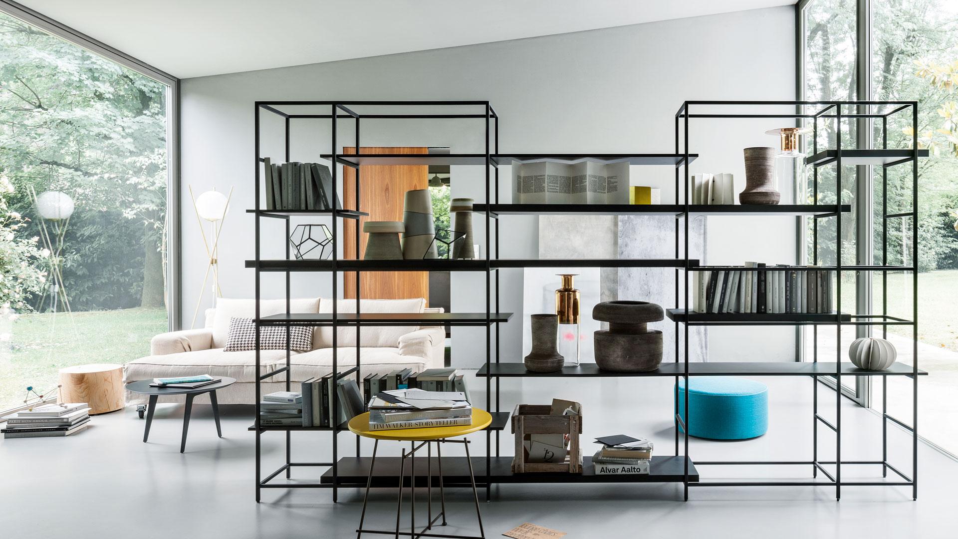 Librerie divisorie 15 idee per usarle bene living corriere for Arredamento d interni idee