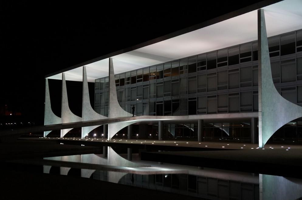 Palácio_do_Planalto_-_2_(8726935114)_(2)