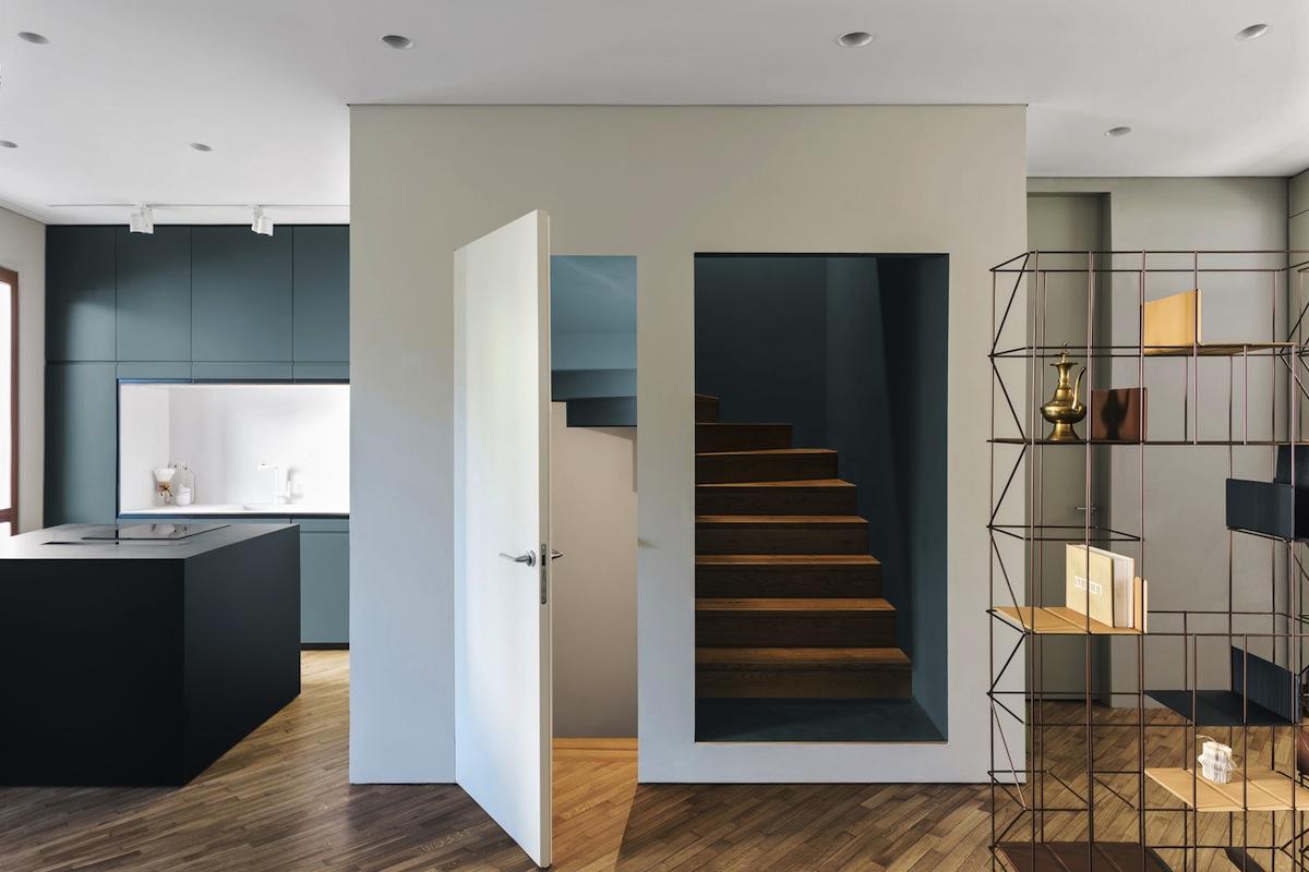 Restyling in grigio e blu a milano living corriere for Corriere casa