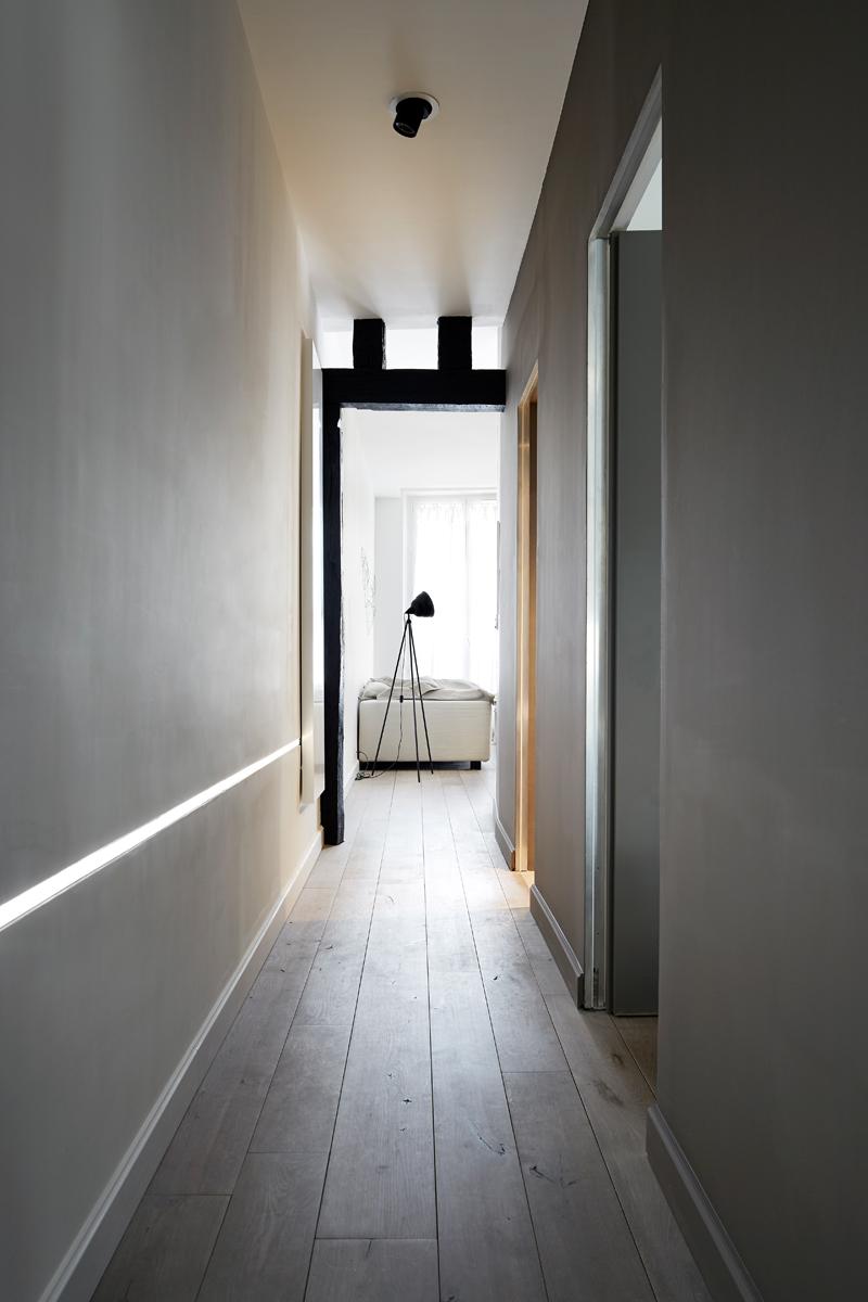 luce parete corridoio