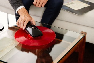 LOVE_Turntable_revolutionary_smartphone_controlled_turntable_crowdfunding_Agency2.0