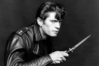Mapplethorpe_Selfportrait_1983