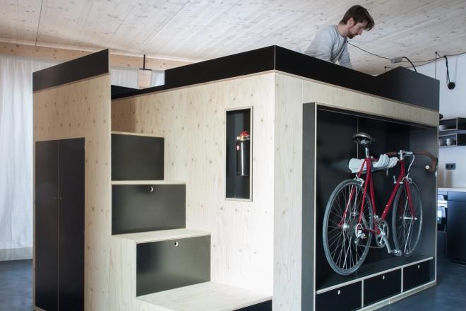 Un cubo salvaspazio per arredare i monolocali living for Catalogo di mobili