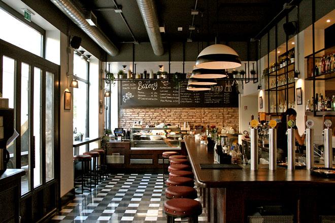 Burbaca un americano a roma livingcorriere for Bar americano nyc