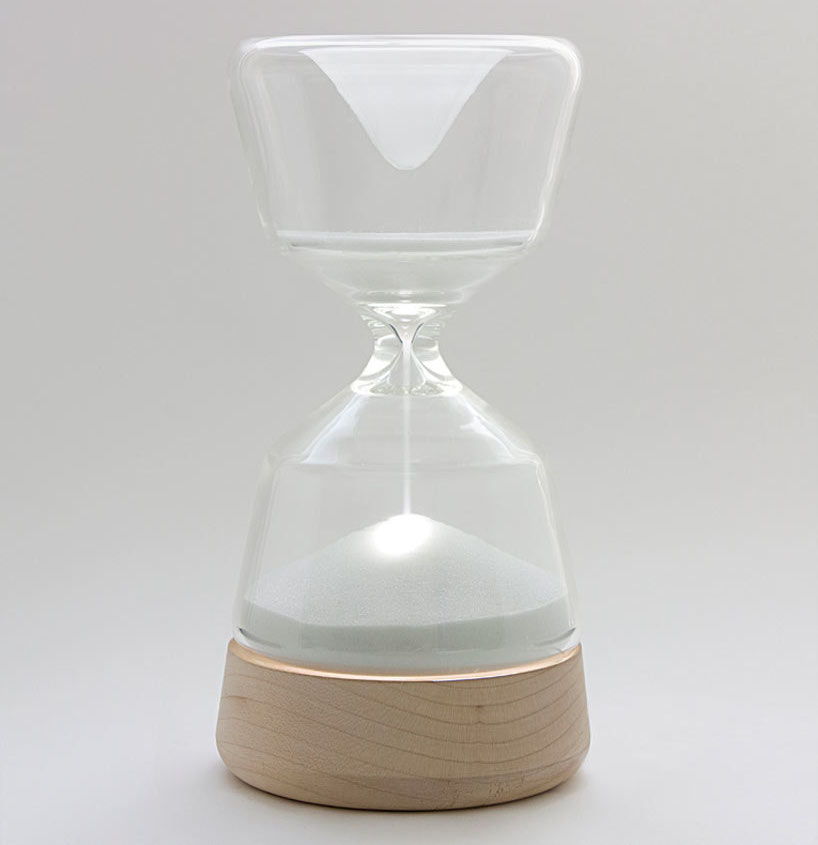Night-Night-Hourglass-Nightlight-by-Vanessa-Hordies
