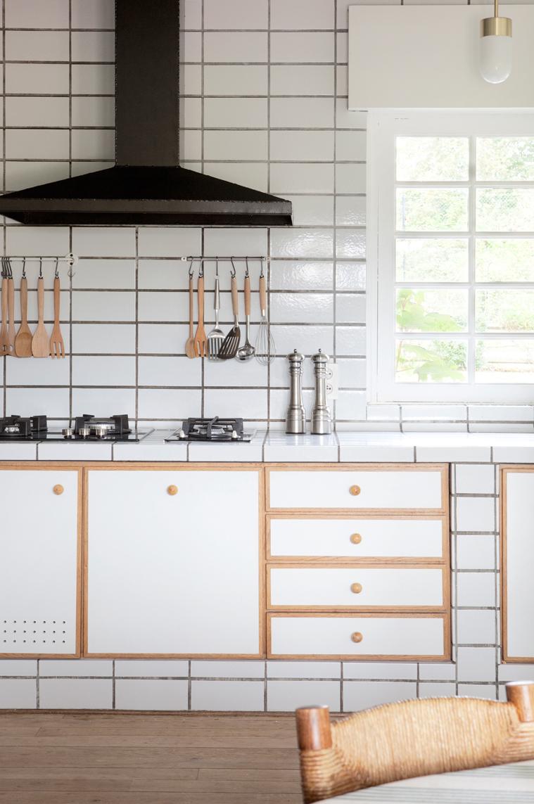 cucina-bianca-ceramica