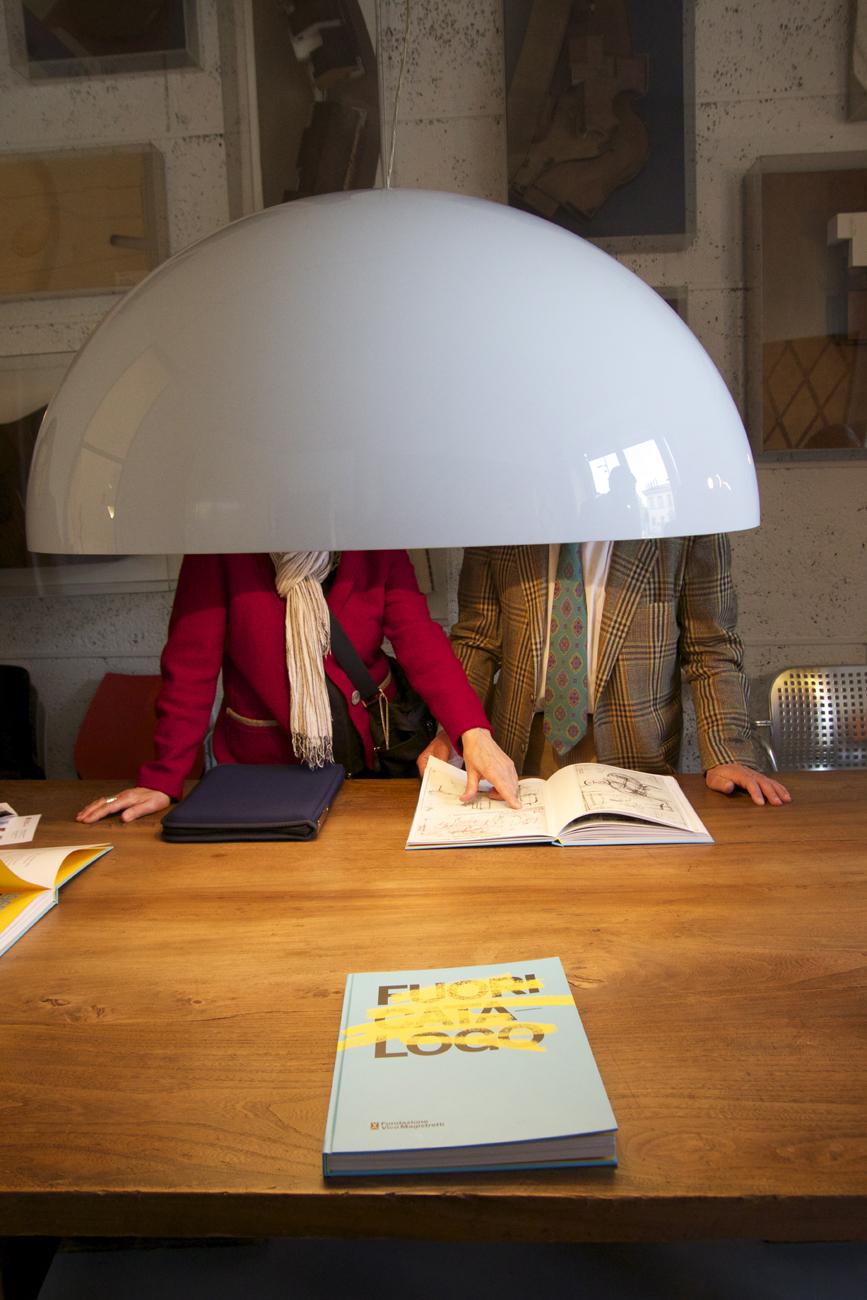 lampada visitatori archivio
