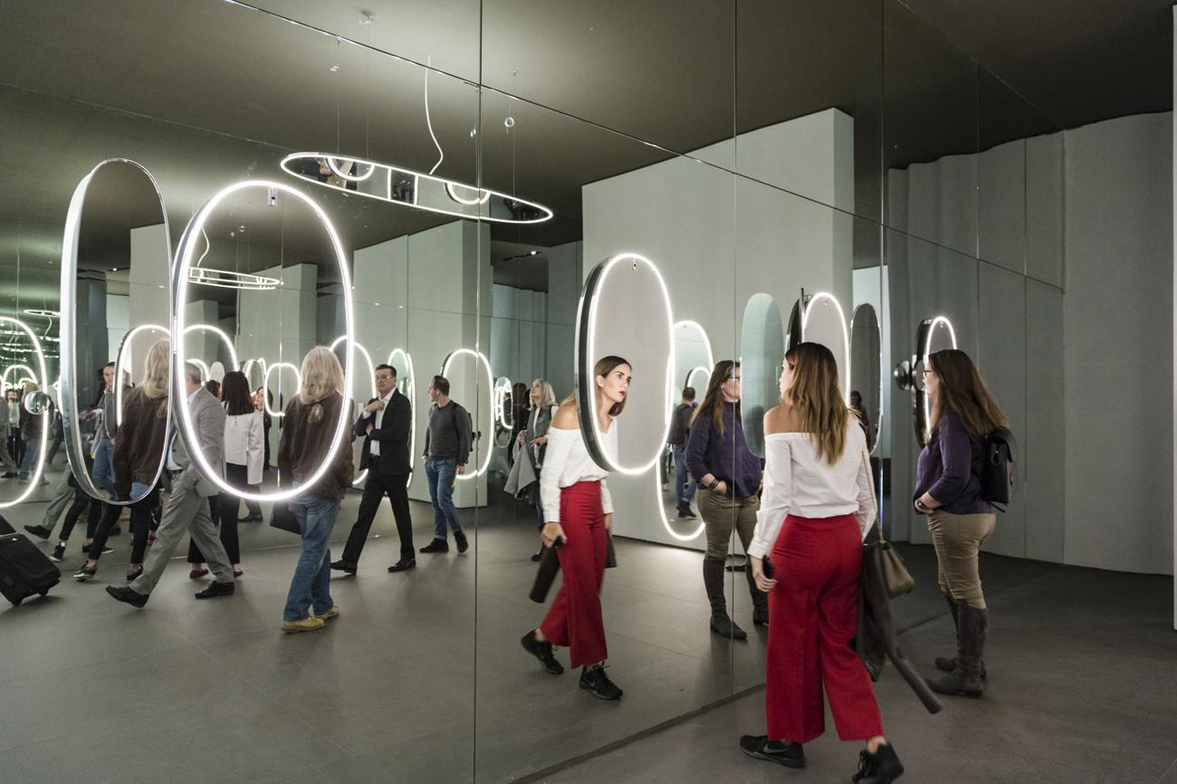 Flos emoziona con la luce - Fiera del mobile parigi 2017 ...