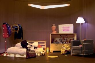 periferia-design-hostel-milano-living-corriere1