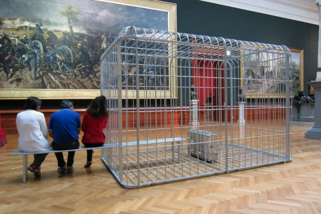 03_MAXXI_PCB_H.H.Lim_The cage the bench and the luggage_2011_m