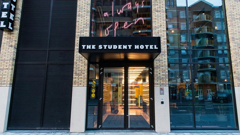 modern-hotel-architecture-060317-1104-02-800x450