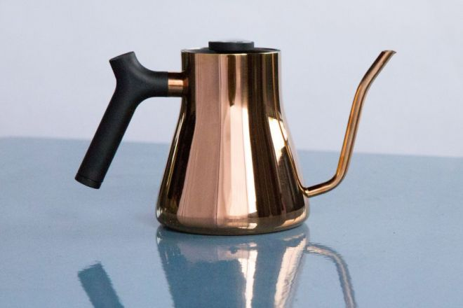 the-stagg-ekg-fellow-products-design-kitchen-appliances-kitchenware-homeware-kettles_dezeen_2364_col_6-1-852x852