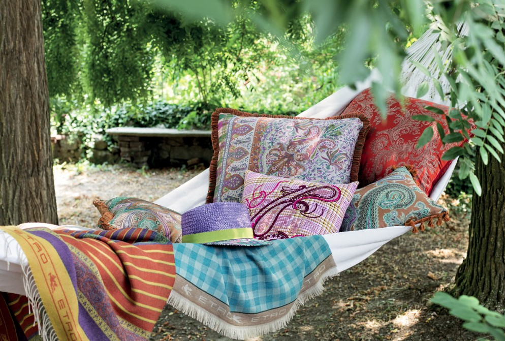 Accessori outdoor molto in foto 1 livingcorriere for Etro arredamento