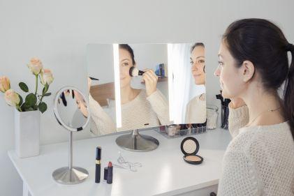 simplehuman Specchio con sensore