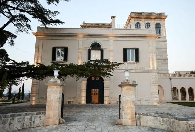 00_mazzarelli_creative_resort_luxury_hotel_puglia_pleroo_design_studio_LIVING-CORRIERE