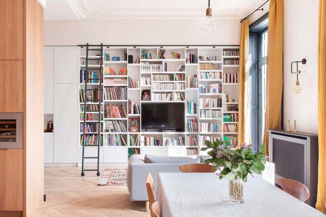 20 idee per scegliere una libreria a parete livingcorriere for Arredare parete soggiorno
