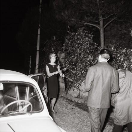 5.Marcello Geppetti, Anita Ekberg con arco e frecce, 20 ottobre 1960