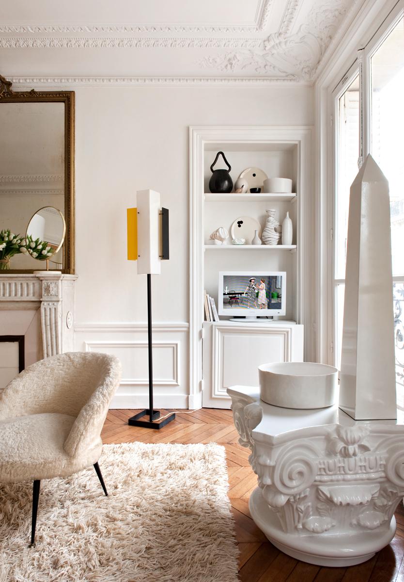 Arredare in bianco a parigi la casa di emilie bonaventure for Lacost case in legno