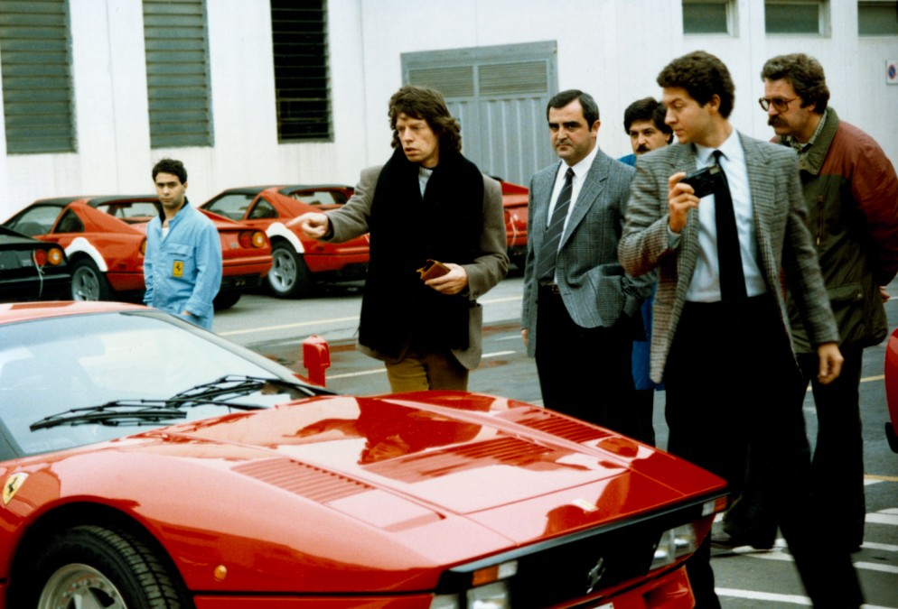 30.-Visit-to-Ferrari---Mick-Jagger,-leader-of-the-Rolling-Stones,-on-the-delivery-of-his-GTO
