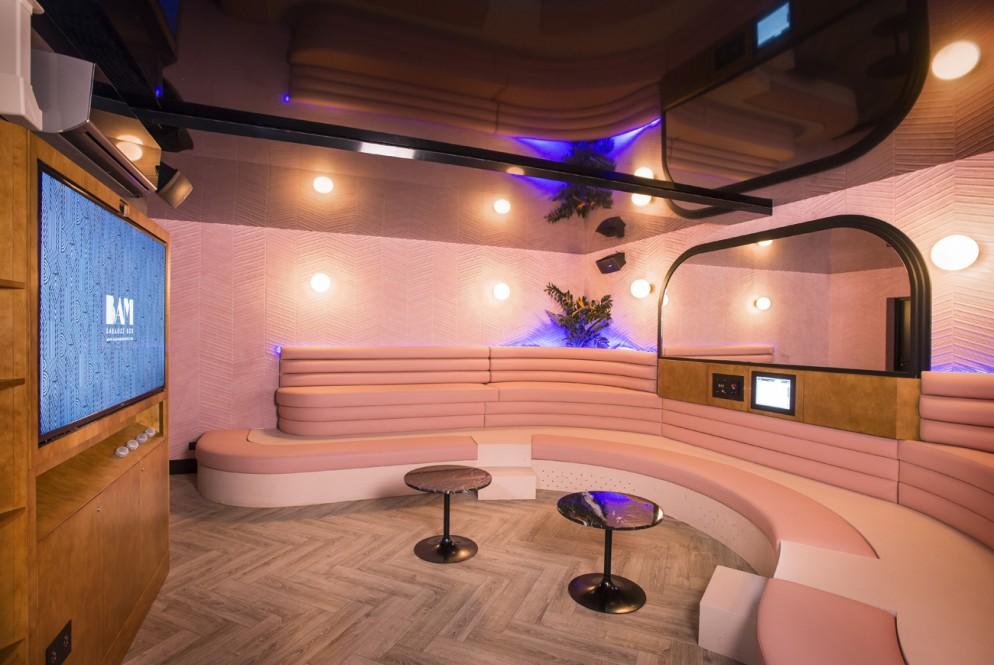 bam-karaoke-bar-parigi-living-corriere-12