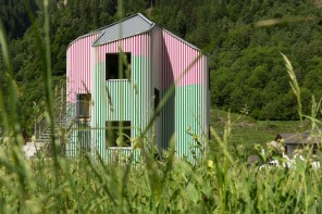 Casa d'artista sulle Alpi