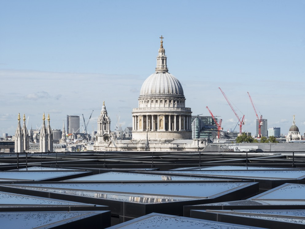 Bloomberg_Londra_Exterior_04_Roof-living-corriere