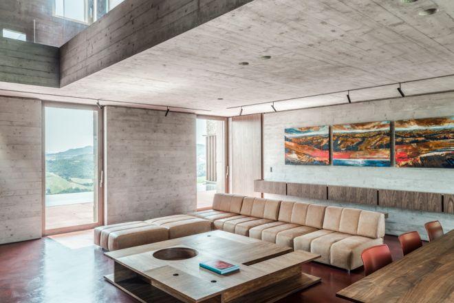 La villa di urbino candidata ai premi riba 2018 living for Gardini arredamenti