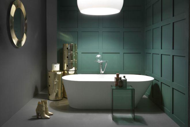 Come scegliere i colori di tendenza per arredare il bagno