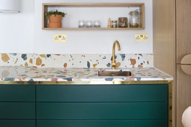 Paraschizzi come proteggere la parete della cucina - Piastrelle sopra piastrelle ...