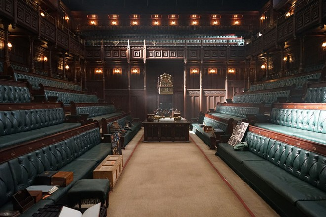 2-DSC08022The completed House of Commons set from Joe Wright's DARKEST HOUR, a Focus Features release.Credit:  Sarah Greenwood / Focus Features