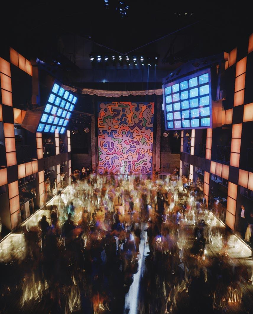 vitra-design-museum-disco-living-corriere1