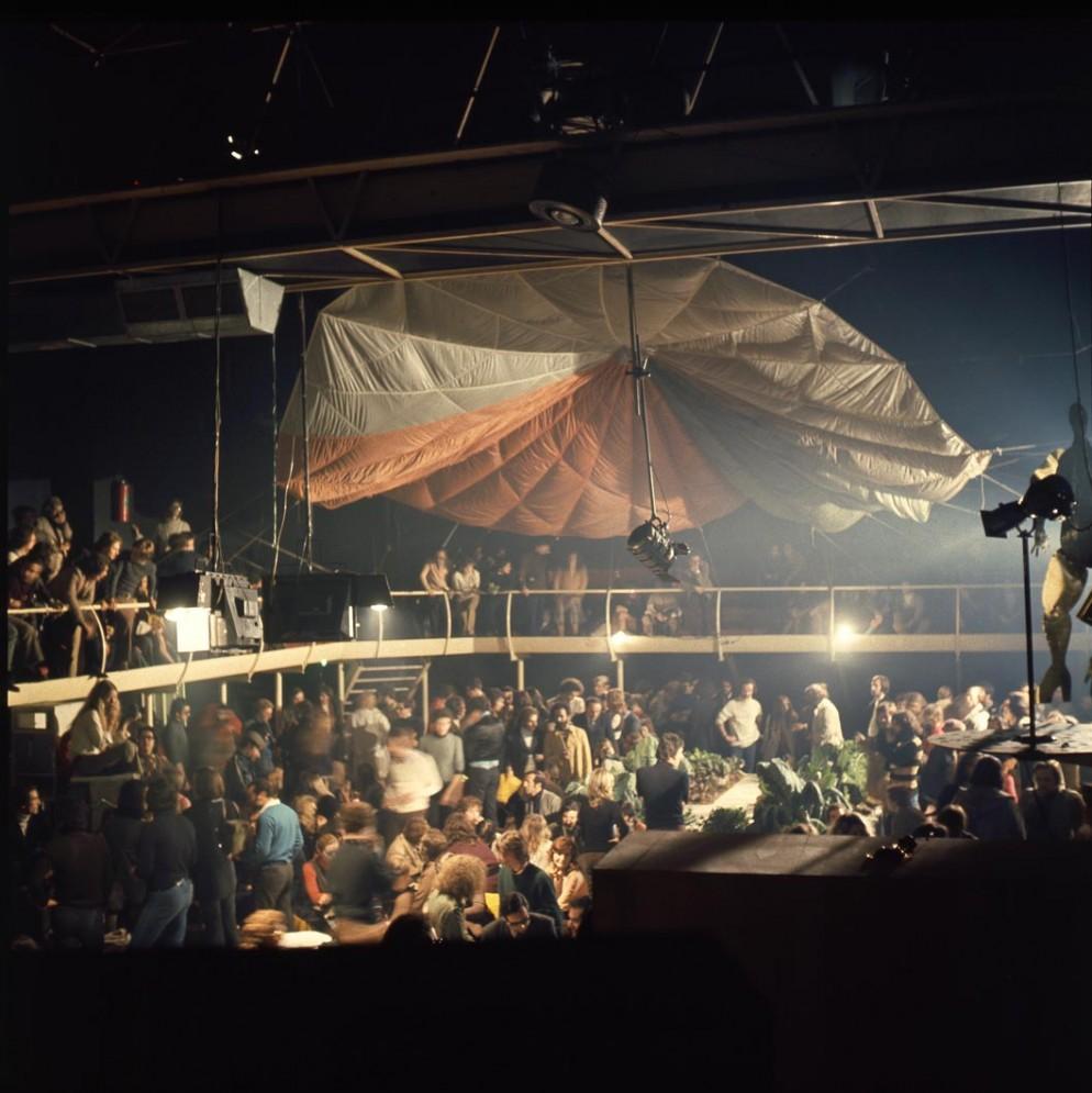 vitra-design-museum-disco-living-corriere2